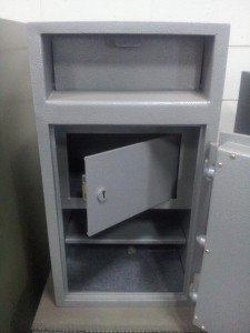 FLAP DEPOSIT SAFE – CASH DEPOSIT SAFE WITH INTERNAL SECURITY CABINET