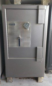 GOLD STORAGE SAFE -ROCKLEA BRISBANE