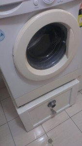 FRONT LOADING WASHING MACHINE STAND SAFE