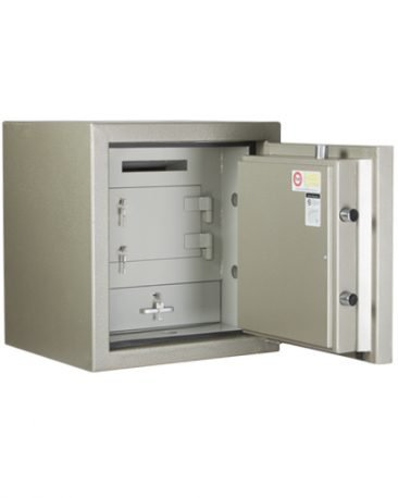 This safe has a slab door, 4 way boltwok and anti drill plates - $100,000 cash rating !