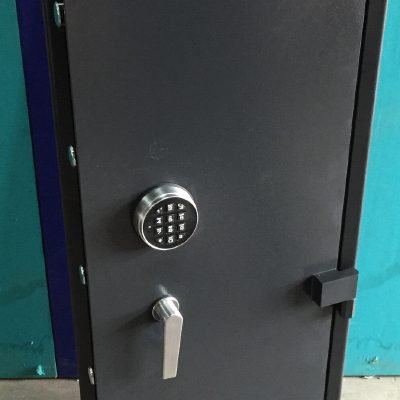 Rifle Safe RS152 Digital Locking – 155 KG – for Rental Homes ( 8-14 Rifles)