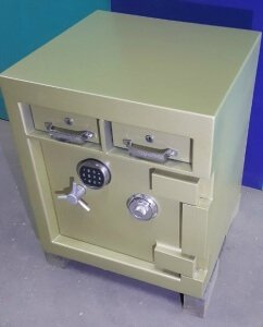 This twin deposit drawer safe has a huge $100,000 cash rating